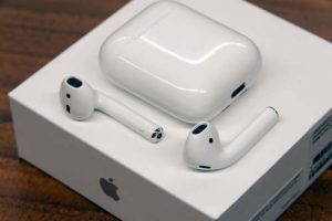 Apple AirPods tech gifts for men